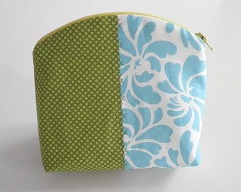 Toiletry Bag/ Cosmetic Bag/ Cosmetic pouch/ MakeUp Bag