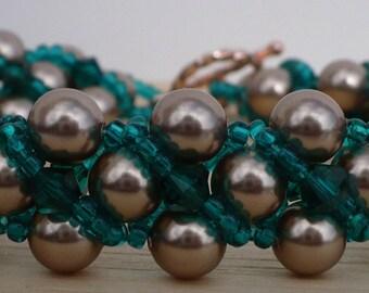 Green Bracelet, Gold and Green Bracelet,Colorado St Bracelet, Beaded Bracelet, Gold Swarovski Pearl and Emerald Crystal Bracelet - 7 Inches
