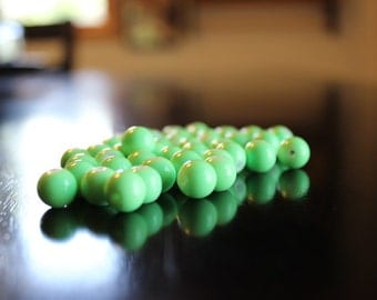 40 lime green bubblegum glass beads, baking painted, 10 mm, hole 1 mm