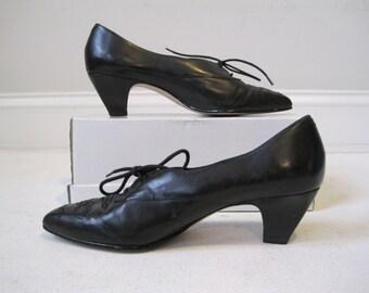 Woman's Shoes W-Tuter Size 7M Black  Leather Upper Vintage