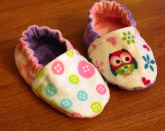 Crib shoes/slippers- reversible