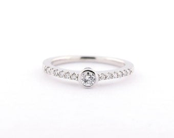 Round Diamond 14k white gold Promise ring