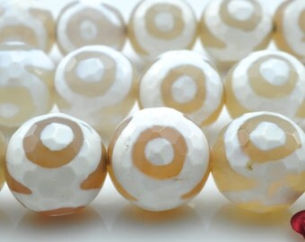 28 pcs of Agate three-eyes faceted round beads in 14mm