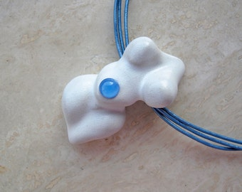 Blue Agate on White Venus Goddess