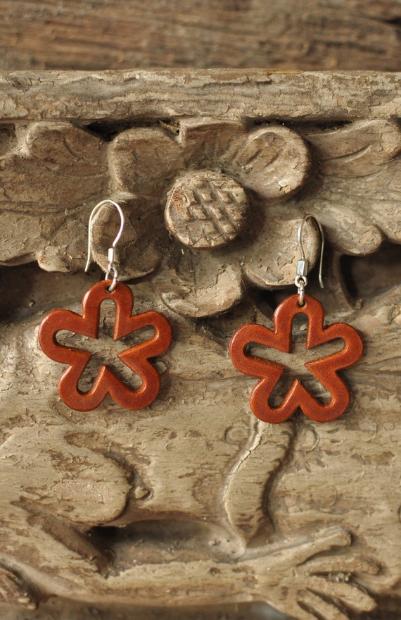 how to make handmade leather flowers