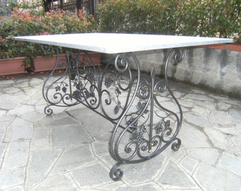 Wrought iron table rectangle scrolls and grape bunches of decorum. PRICE MARCH