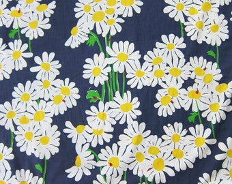 "18"" x 18"" Lilly Pulitzer Fabric Navy Look Lady"