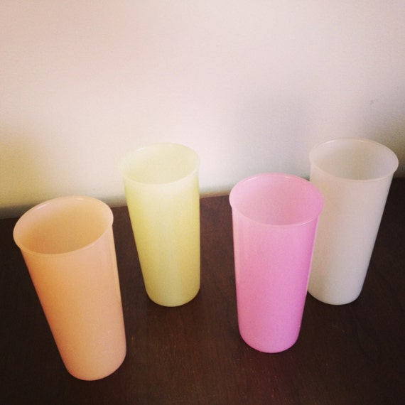 Vintage Tupperware 4 Multi Pastel Color Tumblers / 12 ounce Plastic Cups