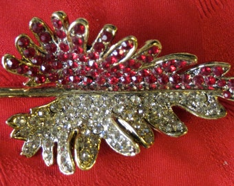 Original 1960's Red and White Rhinestone Gold Tone Brooch Pin - Very Beautiful - Free Shipping