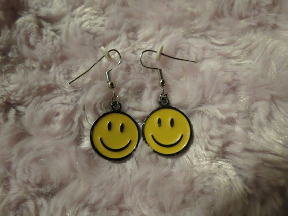 Vintage 90's Smiley Face Dangle Earrings