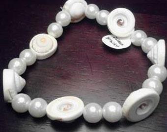 White sea shell bracelet