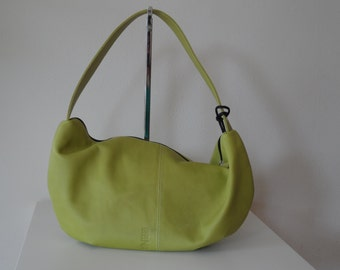 Leather shoulderbag with purse, green/apple green.