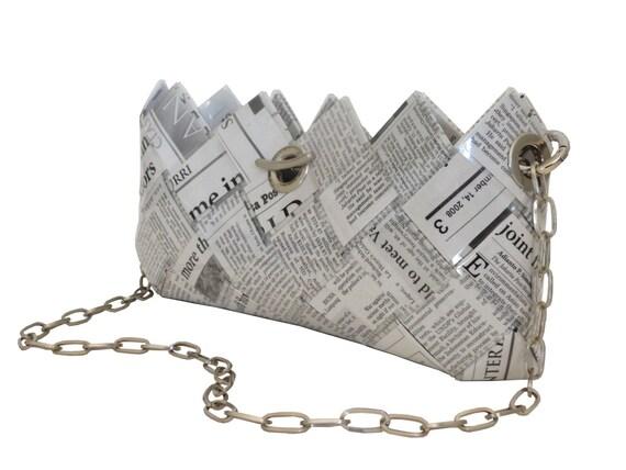 clutch abendtasche news recycelte zeitung papier tasche. Black Bedroom Furniture Sets. Home Design Ideas