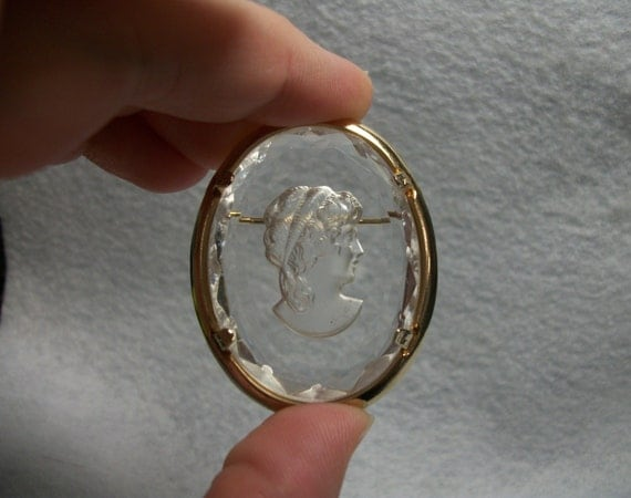 Signed Warner Cameo Glass And Gold Tone Brooch Clear