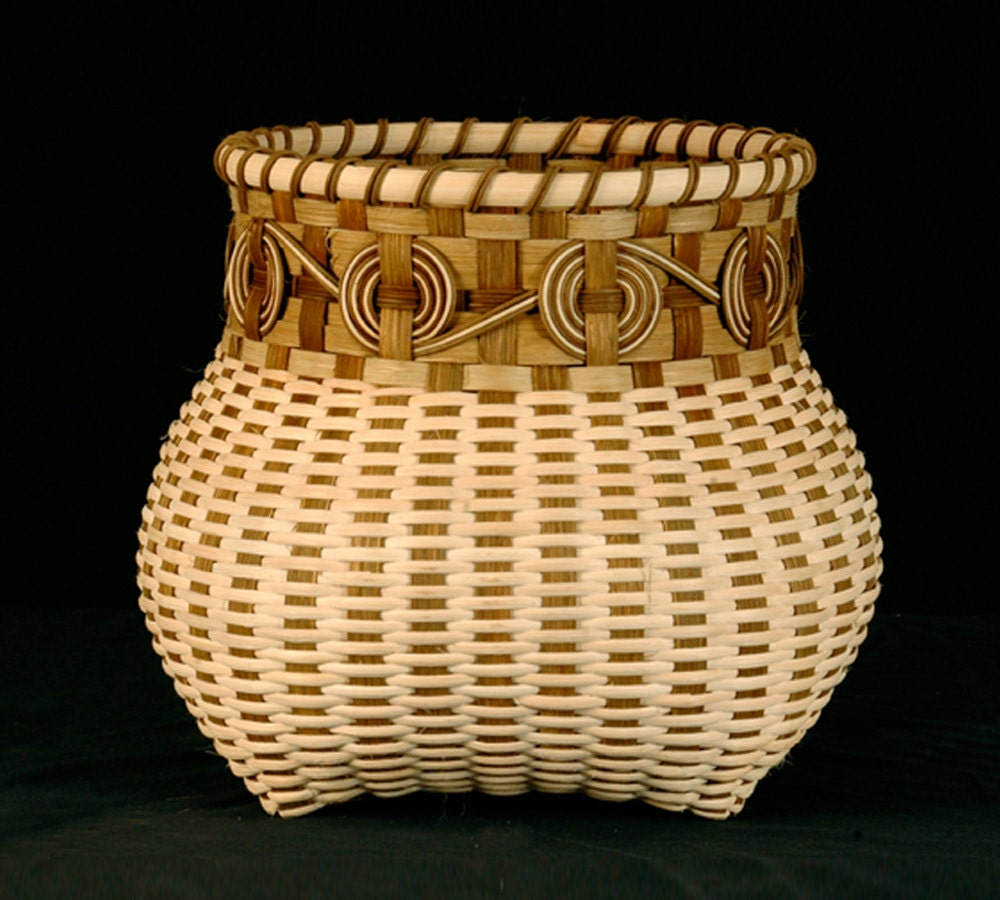 How To Hand Weave A Basket : Cherokee wheels hand woven basket in natural colors wicker