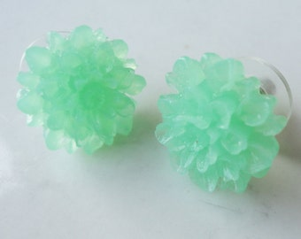 Dahlia Flower 15mm Transparent Resin Post Earring 3 colors to choose from