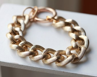 PALE GOLD Textured  Chain Bracelet -Chunky Large Chain Link Bracelet - Chain bracelet
