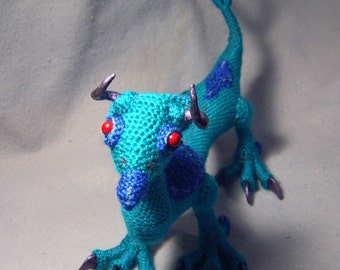 Evalis, OoaK poseable crocheted creature