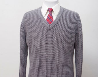 Men's Sweater / Vintage Grey V-Neck Knitwear by Hudson's / Size Medium