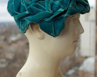 Vintage Halo Hat Made Exclusively for Bamberger's New Jersey - Turquoise Velvet - 1960s
