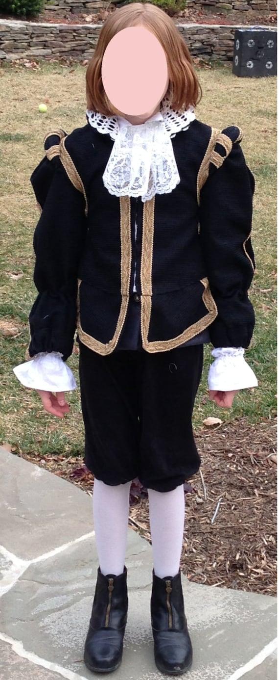 Shakespeare costumes - Lookup BeforeBuying