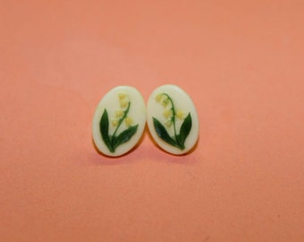 Vintage Yellow Bellflower Cameo Earrings
