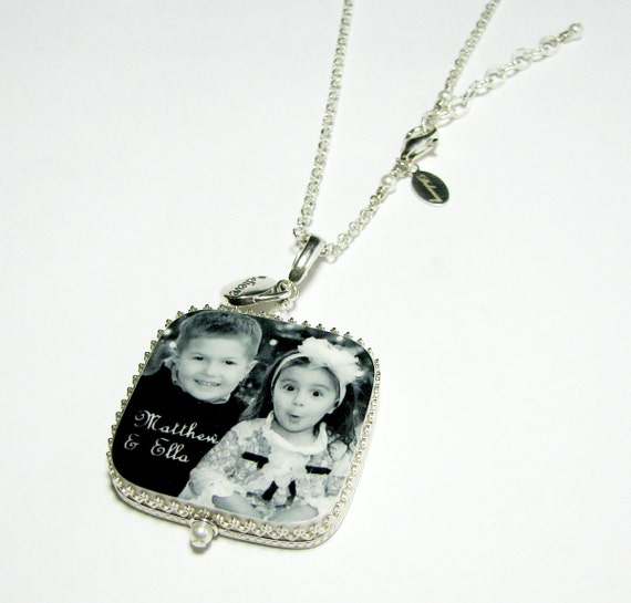 Classic Framed Photo Pendant - Large with Rounded Corners and a Message Charm - FP1CRNa