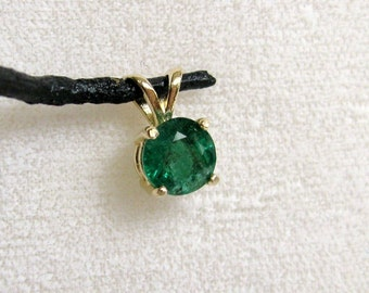 Natural Columbian Emerald  0.97 cts 14K Gold Pendant  RKS310