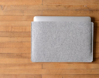 "Simple 12"" MacBook Sleeve - Grey Felt - Long Side Opening"
