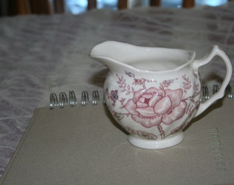 Mulberry Home Collection Creamer