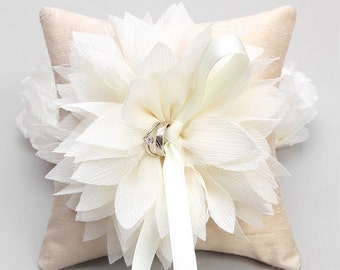 Ivory ring pillow, flower ring bearer, ring holder, ring pillow wedding - Lydia