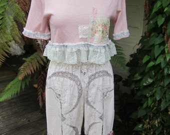 GARAGE SALE... !!!   dusky rose.. Vintage Kitty...  crochet, pearls, roses, lace, tatting.. pretty shabby chic Med - Large