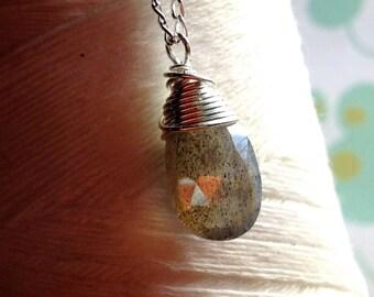 A Single Promise - labradorite necklace / labroadorite pendant / sterling silver / Canadian jewelry / delicate necklace / gemstone pendant