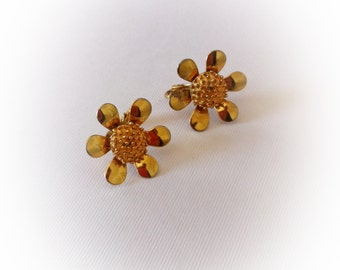 Vintage 1960s Daisy Earrings Clip On