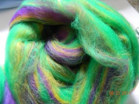 Wool Roving, Merino, Hand pulled roving, Purple Rock Layer colourway, 5.75 oz