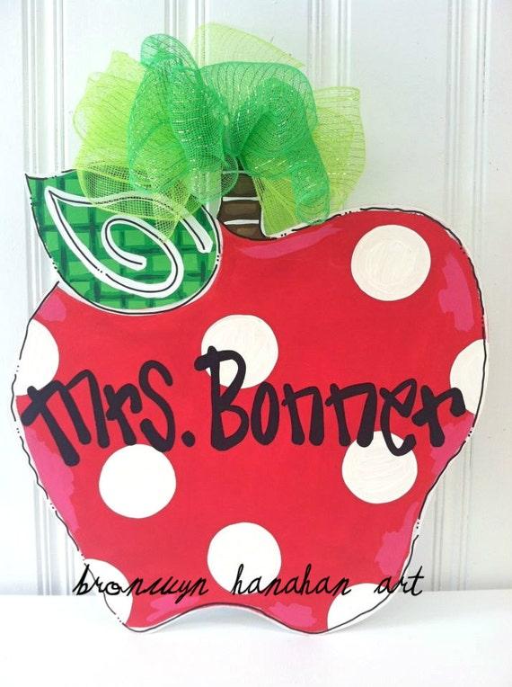 Red Apple Door Hanger - Bronwyn Hanahan Art