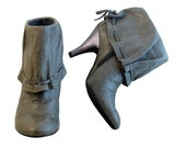 Gray Grunge Boots Ankle Cuff  // Size 7 1/2 M // Distressed Leather w Glitter High Heels in Gray Lavender // Sexy Quirky Grunge Glamour