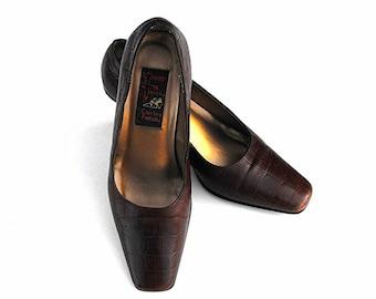 1960's Carlos Falchi Pumps - Mid Century Burnt Umber Sienna Reddish Brown Faux Alligator Retro Designer Stilettos Vintage Contour High Heels