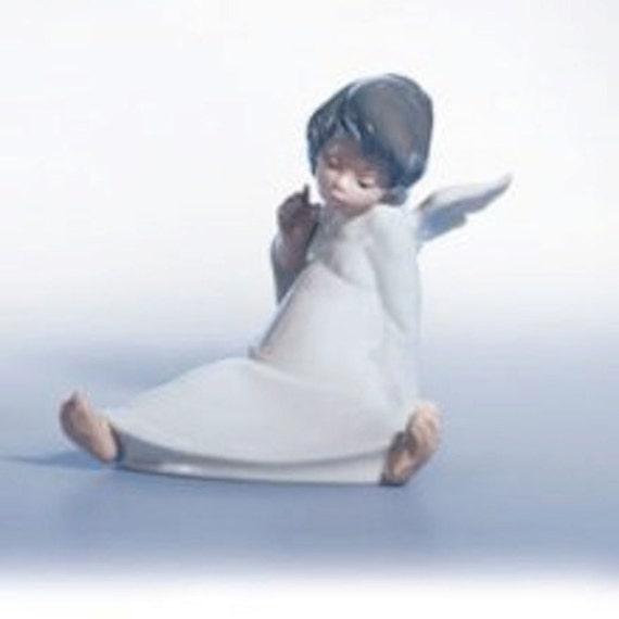 Sale vintage lladro angel wondering cherub figurine no 4962 - Angels figurines for sale ...