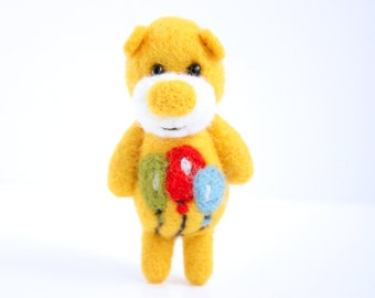 Made to order - Yellow felted bear with party balloons