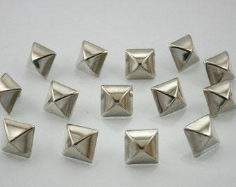 15 pcs.Zinc Silver Tone Pyramid Rivets Studs Decorations DIY Findings 11 mm. RCP11