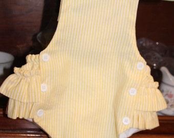 SPECIAL reduced Girl Ruffle Seersucker sunsuit