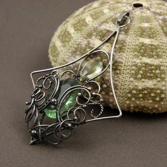 Silver wire wrap pendant, wirework fine jewelry, green amethyst pendant, gemstone jewelry, sterling wire wrapped jewelry, vintage style
