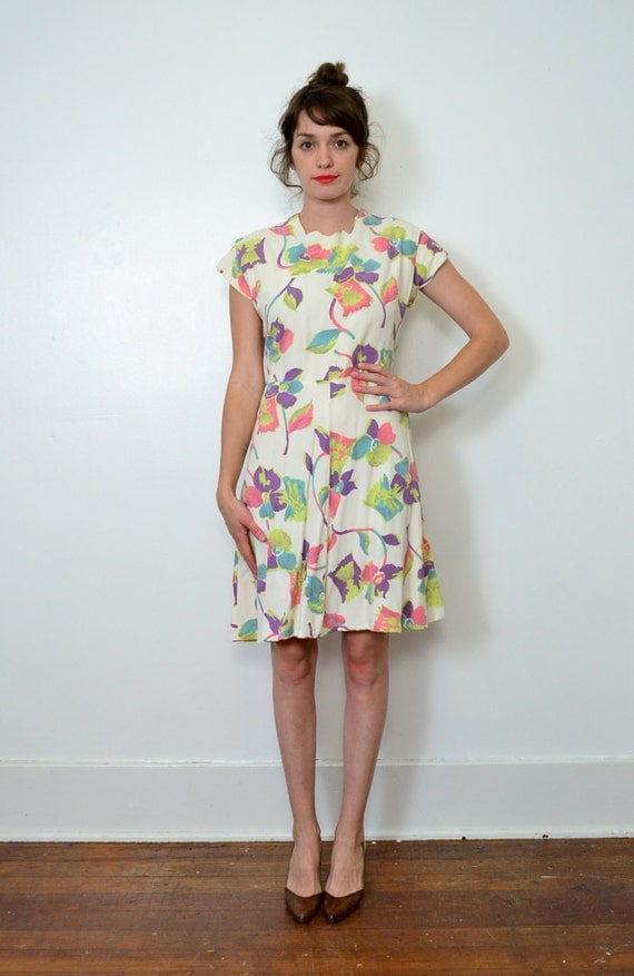 1950s Cream Floral Dress // Large