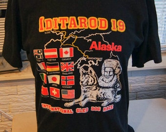 vintage (t shirt) IDiTAROD 19 INTERNATioNAL Sled Dog Race Alaska (44 inches around chest)