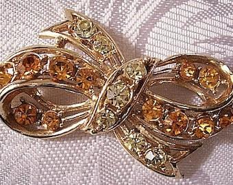 Orange Green Bow Ribbon Pin Brooch Gold Tone Vintage Rhinestone Large Round Ribbed