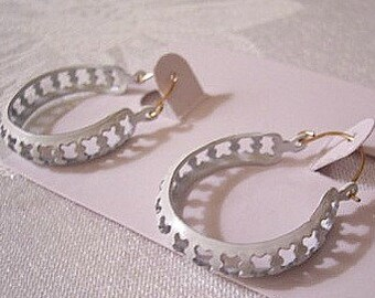 Cutout White Hoops Pierced Wire Earrings Round Wide Curved Band Open Ring Dangles