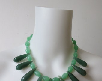 Chic Bold Green Agate Necklace