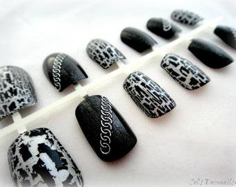 Punk rock false nails, crackle and chains holographic nails