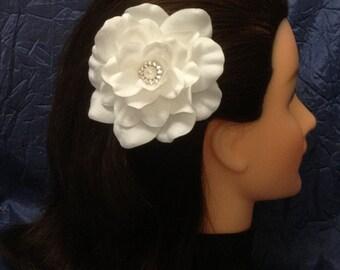 White Gardenia Bridal Flower Hair Clip White Wedding Flower Hair Piece White Bridal Gardenia Fascinator Ready to Ship